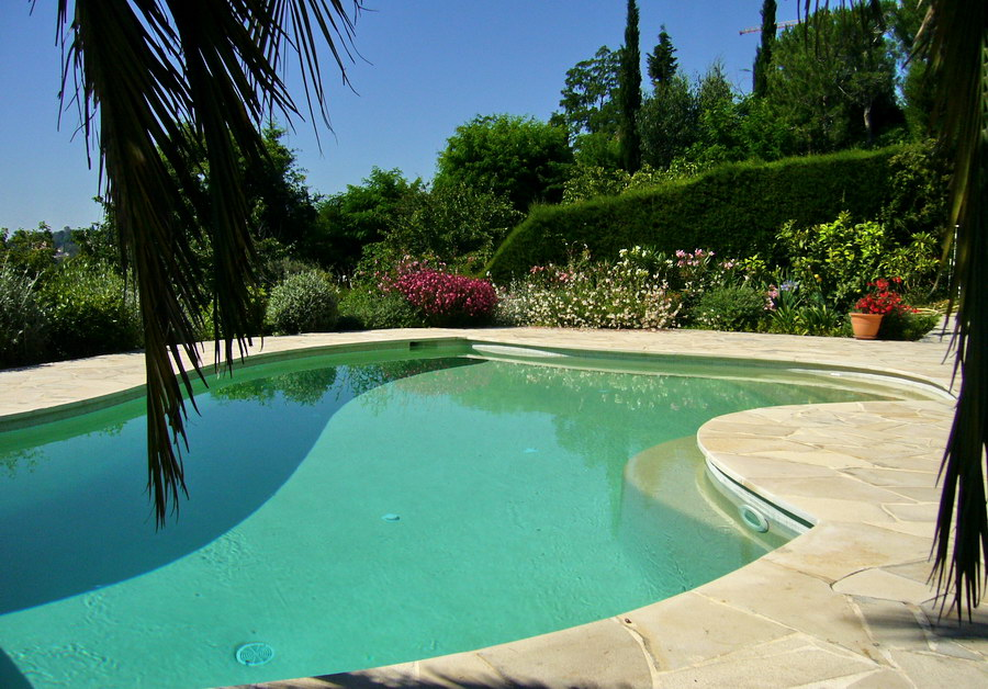 Val colombe for Piscine jardin
